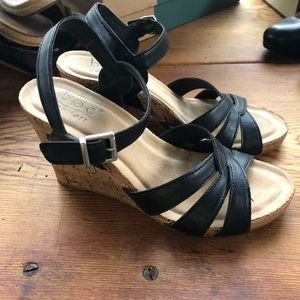BOC Apple Wedges. Size 8. Practically brand new.
